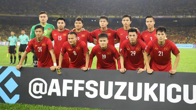 Quang Hải đi vào lịch sử bóng đá Việt Nam, thầy trò HLV Park Hang Seo bỏ xa Thái Lan