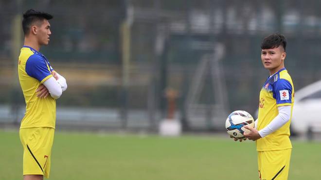 Quang Hải, Đình Trọng báo tin 'cực vui' cho U23 Việt Nam