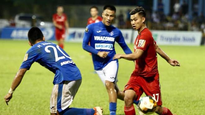 Hà Nội đánh rơi chiến thắng phút bù giờ, HAGL thua thảm Than Quảng Ninh