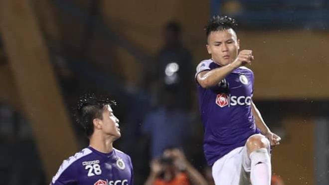 Quang Hải lập cú đúp 'siêu phẩm', Hà Nội FC thắng 'nghẹt thở' Altyn Asyr