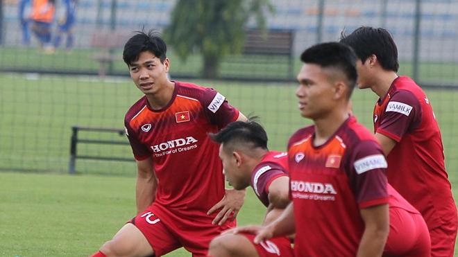 Tin tức bóng đá Việt Nam ngày 7/10: Công Phượng tươi rói, Malaysia tập buổi đầu Hà Nội