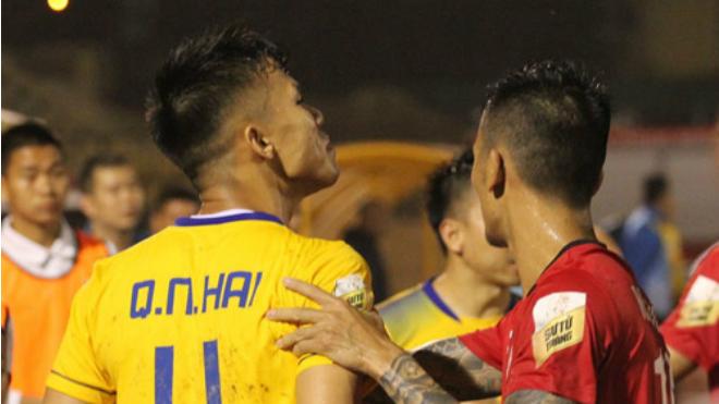 Quế Ngọc Hải trần tình về việc lời qua tiếng lại với Đình Luật, 'sao' U23 Việt Nam được khen