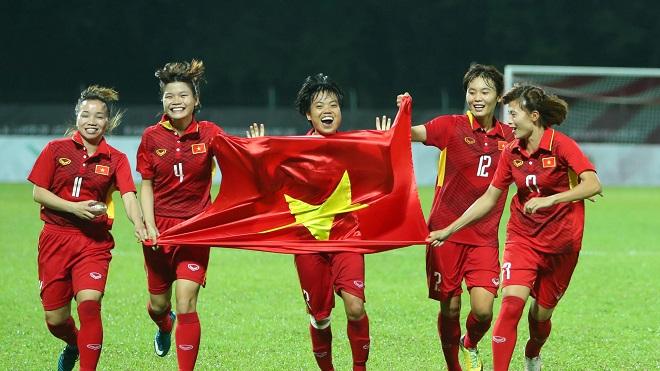 HLV Mai Đức Chung: 'Có cầu thủ nữ phải nhịn đẻ để tập trung đá bóng'