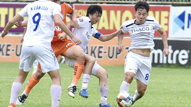 Nc247info tổng hợp: Trận Nam Định đấu HAGL chỉ bán nửa số vé.