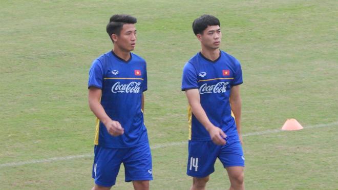 Công Phượng tập riêng, U23 Việt Nam thay máu đội hình đấu Oman?