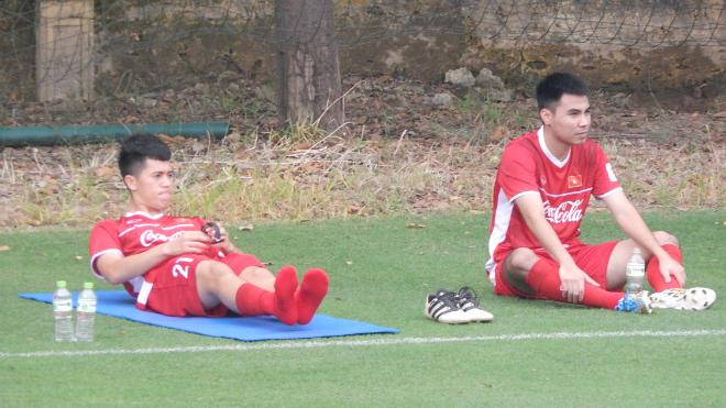 Đình Trọng chấn thương, HLV Kim Chi sốc trước màn loạn đả của học trò