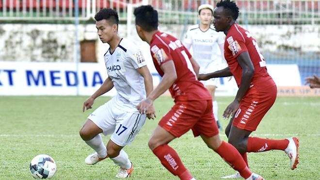 Bóng đá Việt Nam hôm nay: Hậu vệ HAGL ấn tượng với CĐV Nam Định. Bóng đá Thái lên tiếng 'cầu cứu'