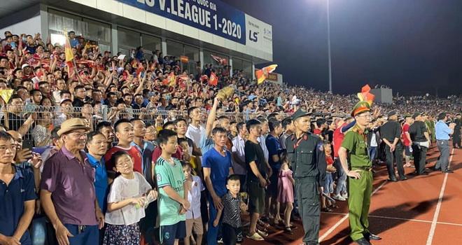 bóng đá Việt Nam, tin tức bóng đá, bong da, tin bong da, HAGL, bầu Đức, V League, Hà Tĩnh vỡ sân, V League, Ban kỷ luật VFF, lịch thi đấu vòng 5 V League