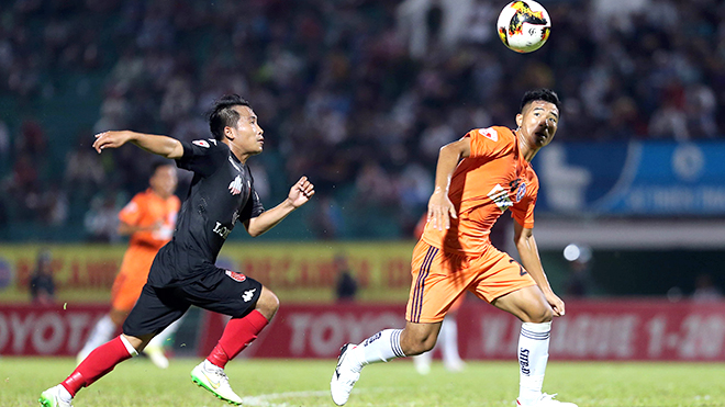 Bầu Tú lý giải việc 'treo còi' trọng tài Văn Kiên, 'sao' U23 Việt Nam ghi bàn thắng đẹp nhất tháng 4