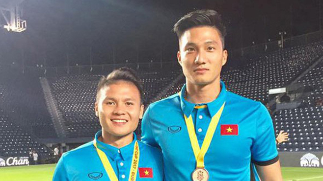Văn Hoàng từng 'tuyên chiến' thủ môn tuyển Việt Nam