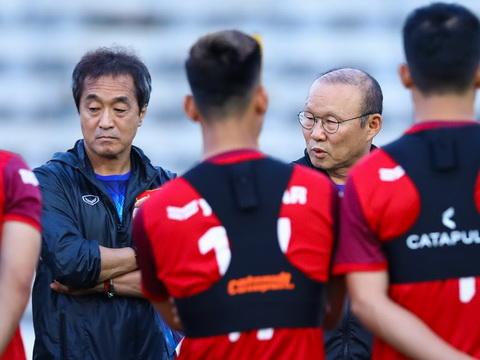Bóng đá Việt Nam ngày 22/8: Thầy Park bỏ rơi Văn Quyết, Martin Lo không có suất trên U22 Việt Nam