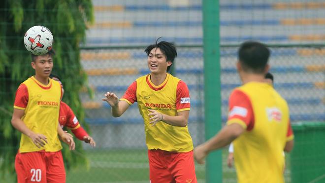 Bóng đá Việt Nam hôm nay:HLV Park Hang Seo chỉ đạo U22 Việt Nam tập luyện