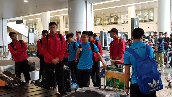 Tuyển Việt Nam về nước, các tuyển thủ hối hả chuẩn bị đá V-League