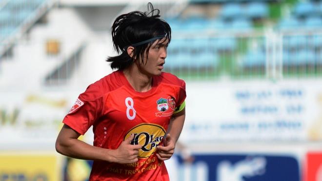 Trọng tài V-League khiến dư luận 'nổi sóng' vì bẻ còi, Tuấn Anh sớm trở lại Việt Nam