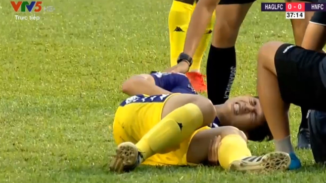 HLV Park lý giải quyết định gọi Tuấn Anh, mong Đình Trọng chấn thương không nặng