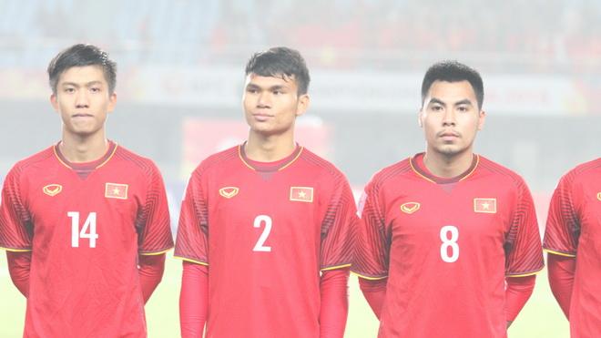Hậu vệ U23 Việt Nam 'xuất khẩu thành thơ'