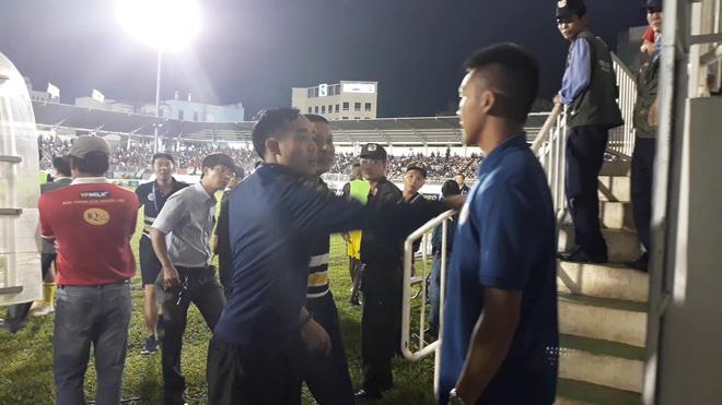 Hai trọng tài FIFA từ chối bắt trận Hà Nội-HAGL, lãnh đạo HAGL thừa nhận sơ suất