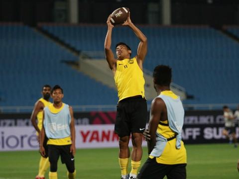Malaysia chơi bóng bầu dục trước trận gặp Việt Nam, VFF kêu gọi CĐV không đốt pháo sáng