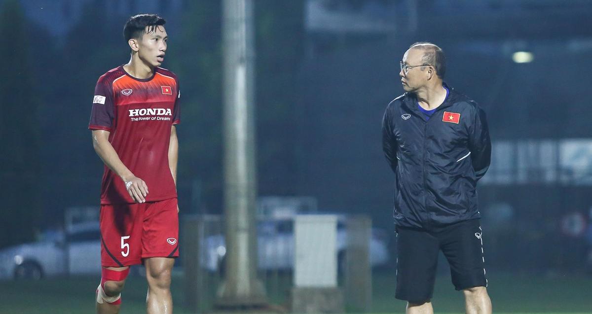 HLV Park lý giải việc không gọi Văn Hậu lên U22 Việt Nam