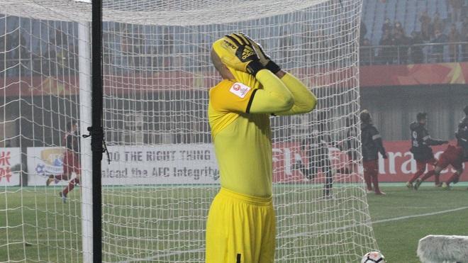 Thủ môn U23 Iraq 'chết đứng' khi cản phá bất thành quả 11m của Tiến Dũng