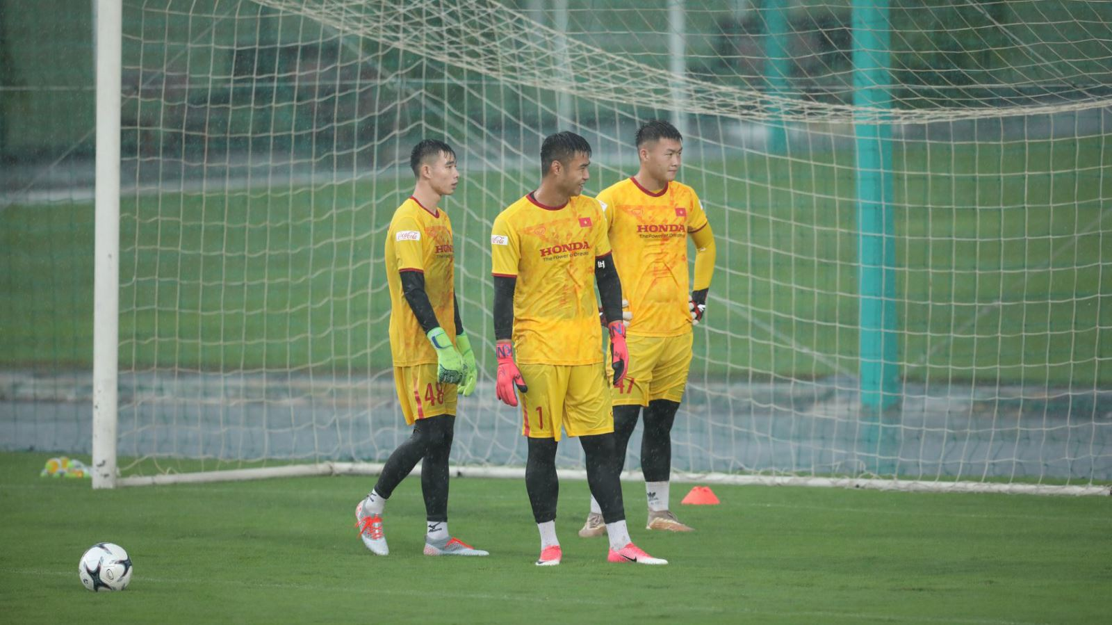 Bóng đá Việt Nam hôm nay:Thủ môn U22 Việt Nam tiết lộ yêu cầu lạ của HLV Park Hang Seo