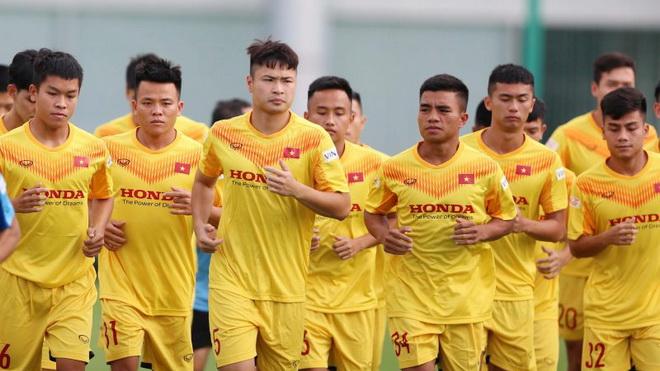 Bóng đá Việt Nam hôm nay: Cầu thủ U22 Việt Nam dính chấn thương lãng xẹt