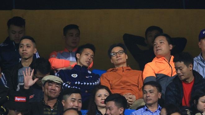 Văn Quyết cảm ơn CĐV đặc biệt của V-League 2018