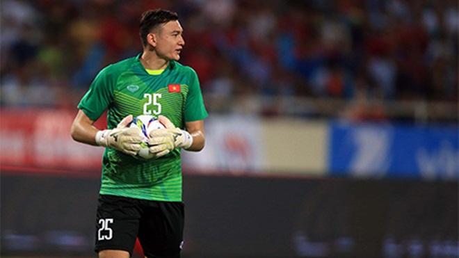 Chuyên gia, cựu thủ mônbảo vệ Văn Lâm trước 'cơn bão' chỉ trích