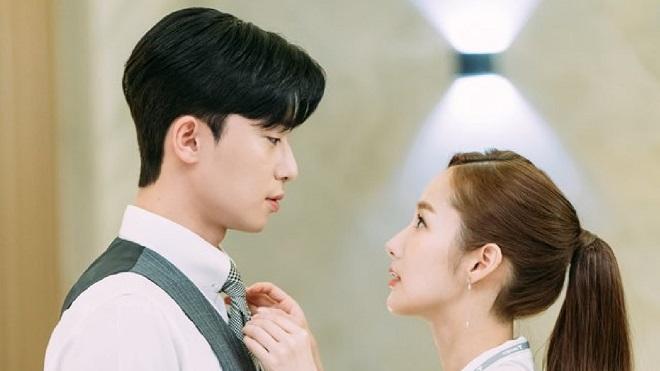 'Đau tim' với loạt ảnh mới 'tình bể bình' giữa Park Seo Joon với Park Min Young trong 'Thư ký Kim sao thế?'