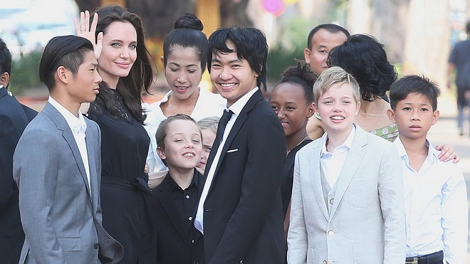 Angelina Jolie có thể mất quyền nuôi con vì hành vi lạm dụng trẻ em?