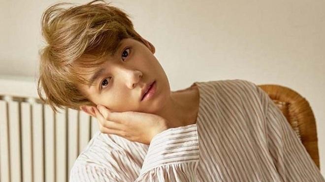 Jungkook BTS từ chối 6 'ông lớn' làng giải trí chỉ vì 'phải lòng' người này