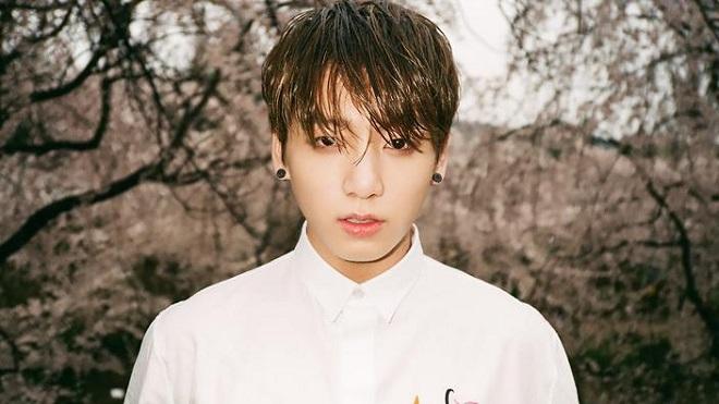 Không nhận ra Jungkook BTS với màu tóc mới, nhìn cứ tưởng là Jin!