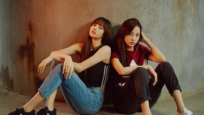 Lisa Black Pink bật khóc khi đọc thư an ủi từ đàn chị cùng nhóm Jisoo