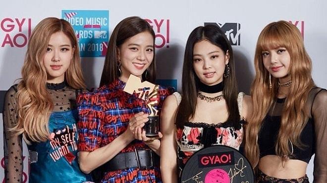 Black Pink ra album mới, fan 'điên tiết' với nhà sản xuất