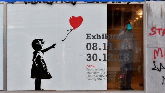 'Bi kịch' tranh trăm tỷ của Banksy với hãng buôn thịt lợn