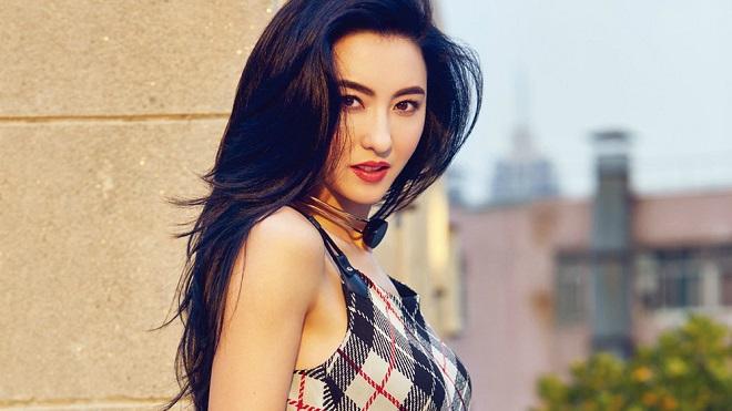 Con mới sinh của Trương Bá Chi không phải của đại gia mà là tình cũ?