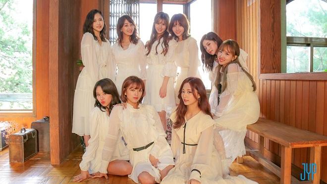 Bất chấp đàn em nổi rần rần, Twice vẫn là nữ hoàng kpop