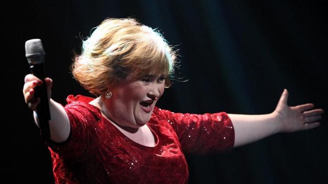 Susan Boyle tung album kỷ niệm một thập kỷ đầy khủng hoảng về tinh thần