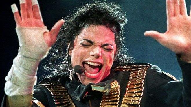 Con gái rượu của Michael Jackson từ chối đứng lên bảo vệ cha