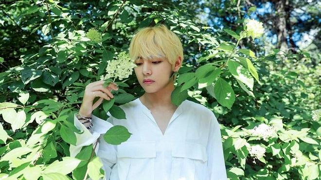 Vẻ đẹp của V vẫn khiến thế giới ngỡ ngàng, BTS tiếp tục khuynh đảo BXH đẹp trai vô đối