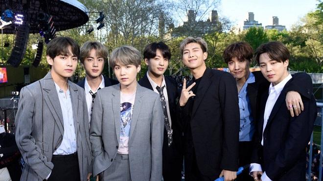 Không đùa được: 'Map of the Soul: Persona' của BTS là album bán chạy nhất ở Mỹ năm 2019