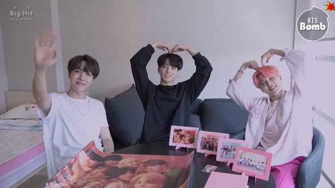 Dùng như phá: Nhìn cách BTS khui hộp album của mình mà fan thấy xót ruột thay