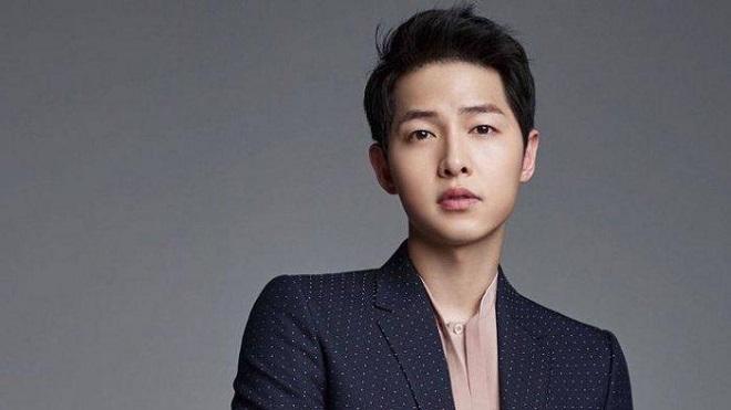 Bố Song Joong Ki bỗng thành tâm điểm chỉ trích, liên quan tới Song Hye Kyo