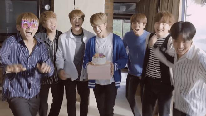 BTS tiết lộ bí mật hài khó đỡ về BTS World, fan nghe xong phải chơi ngay