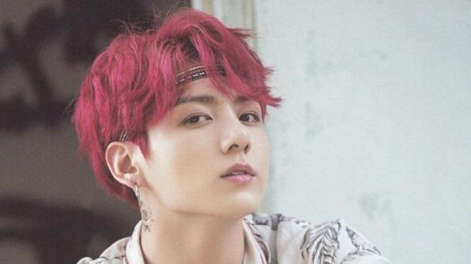 Jungkook BTS chính thức trở lại, chỉ với 3 câu vu vơ mà đánh sập cả trang trò chuyện