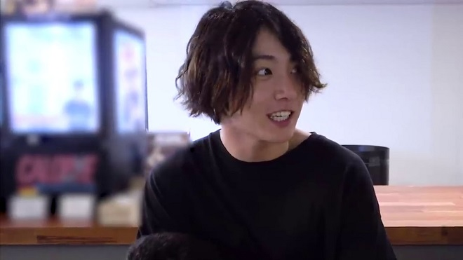 Jungkook BTS cuối cùng cũng tiết lộ lý do 'xuống tóc', phản ứng của các huynh đúng hài