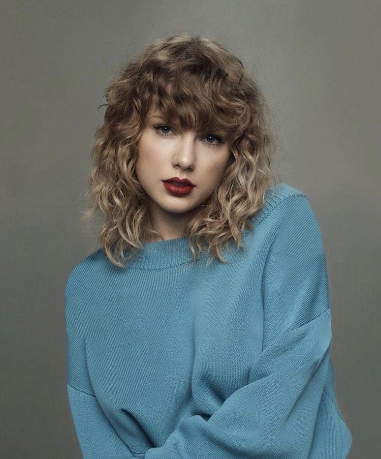 Taylor Swift, bản quyền âm nhạc, Nghệ sĩ thập kỷ, Scott Borchetta, Scooter Braun, Taylor Swift không được biểu diễn ca khúc của chính mình