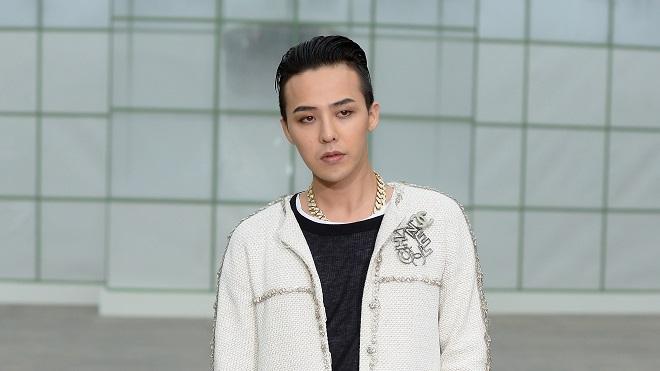 G-Dragon Bigbang chuẩn 'trai hư nhiều tiền' trên đường tới Paris