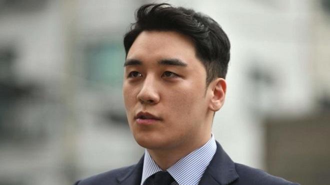 Cựu thành viên Bigbang Seungri bị kết án không giam giữ vì nhiều tội danh