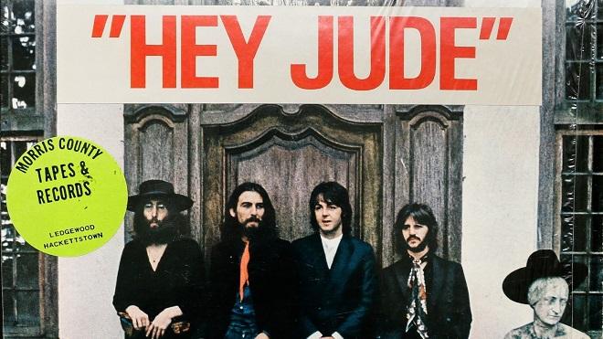 Bản viết tay lời ca khúc 'Hey Jude' của The Beatles được bán với giá hơn 21 tỷ đồng